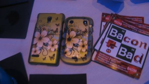 The woman who let us sit at her table had the same phone cover as me. How's that for synchronicity? Some law of chemistry had to be at work here.