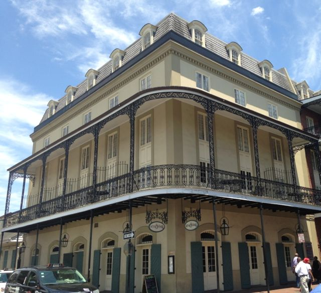 Yet another gorgeous French Quarter house.